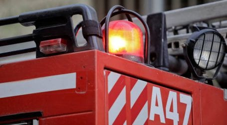 Στις φλόγες τρία οχήματα στην Πάτρα, ζημιές και σε διαμέρισμα