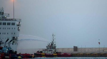 Με χρήση αφρού και νερού η κατάσβεση της φωτιάς στο «Ελευθέριος Βενιζέλος»