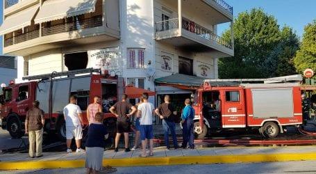 Φωτιά σε μανάβικο στη Νέα Ιωνία [Αποκλειστικές εικόνες & βίντεο]