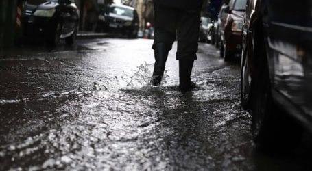Έντονη βροχόπτωση πλήττει την Ημαθία και την Πέλλα