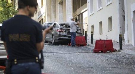 Φωτογραφίες από το σημείο της ισχυρής έκρηξης στον Πειραιά