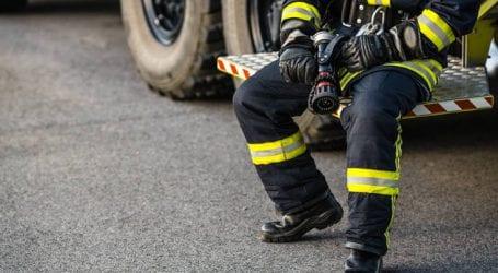 Συνεχίζεται η προσπάθεια για κατάσβεση της πυρκαγιάς στη Σίνδο