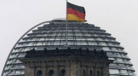 Η Γερμανία δεν τείνει χείρα βοηθείας στην Τουρκία