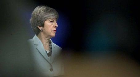 Οι Βρετανοί γυρνούν την πλάτη στη Μέι
