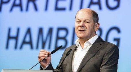 «O Σολτς θέλει να σκορπίσει δισεκατομμύρια στην Ελλάδα»