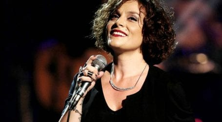 Αναβλήθηκε η συναυλία της Ελ. Ζουγανέλη στον Βόλο λόγω πένθους