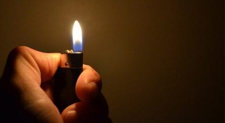 Δεκάχρονο αγόρι έπαιζε με αναπτήρα και προκάλεσε πυρκαγιά με 4 νεκρούς