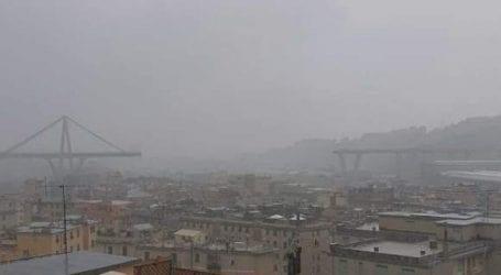 Γένοβα: Κατέρρευσε γέφυρα -ΙΧ έπεσαν στο κενό -Φόβοι για πολλά θύματα [εικόνες]