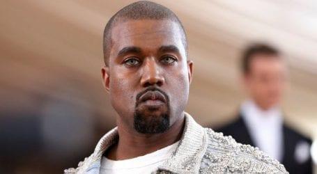 O Kanye West πήγε σε γάμο με παντόφλα και κάλτσα