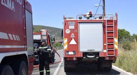 Φωτιά σε εγκαταλελειμμένο οίκημα στους Αμπελόκηπους Θεσσαλονίκης