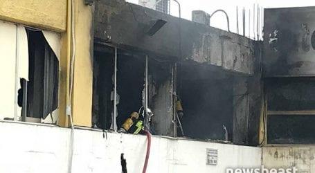 Φωτιά σε εξέλιξη στην Πέτρου Ράλλη σε συνεργείο αυτοκινήτων