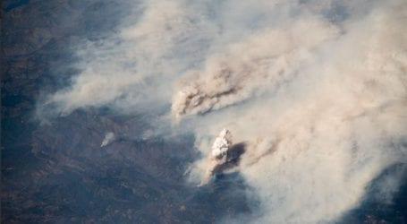 Εντυπωσιακές εικόνες: Η πυρκαγιά τέρας που «τρώει» την Καλιφόρνια όπως φαίνεται από το Διάστημα