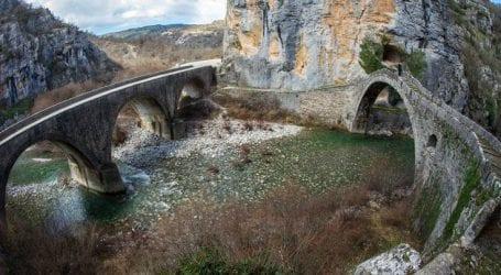 Το ιστορικό γεφύρι του Κόκκορη στο Ζαγόρι