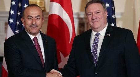 Οι ΥΠΕΞ Πομπέο και Τσαβούσογλου συνομίλησαν για τη Συρία και τον Αμερικανό πάστορα