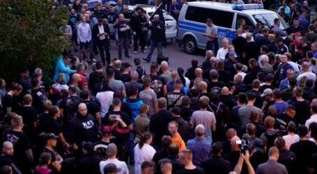 Η κυβέρνηση καταδικάζει τα ναζιστικά συνθήματα που ακούστηκαν στη διάρκεια διαδήλωσης στο Κέτεν