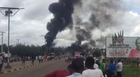 Τουλάχιστον 35 νεκροί και 100 τραυματίες από έκρηξη κατά τη μεταφορά αερίου από βυτιοφόρο