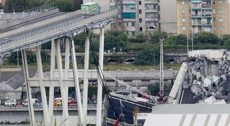 Ενός λεπτού σιγή, έναν μήνα μετά την τραγική κατάρρευση της γέφυρας Μοράντι