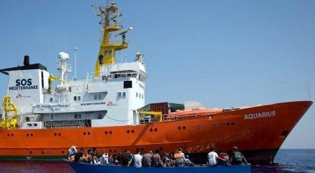 Επειτα από ακινητοποίηση 19 ημερών, το πλοίο Aquarius κατευθύνεται και πάλι στη Μεσόγειο