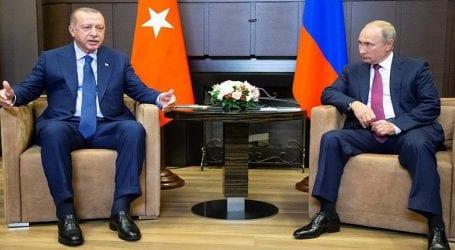 Ξεκίνησε σε εγκάρδια ατμόσφαιρα η συνάντηση Πούτιν Ερντογάν στο Σότσι