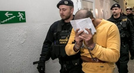 Tσέχοι αστυνομικοί βασάνισαν έναν Ρομά, αναγκάζοντάς τον να ομολογήσει ένα έγκλημα που δεν είχε διαπράξει