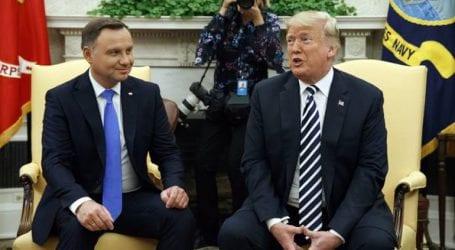 Εξετάζουμε σοβαρά το ενδεχόμενο εγκατάστασης μιας μόνιμης αμερικανικής βάσης στην Πολωνία