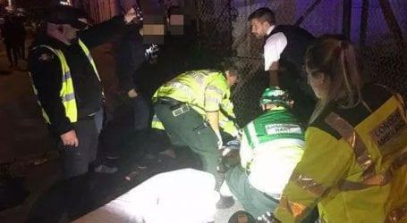 Αυτοκίνητο έπεσε πάνω σε πεζούς έξω από τέμενος στο Λονδίνο- Δύο τραυματίες