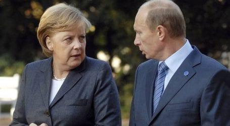 Ο Πούτιν ενημέρωσε τη Μέρκελ για τις συνομιλίες με τον Ερντογάν