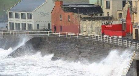Δύο νεκροί από την καταιγίδα «Ali» στην Ιρλανδία