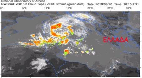 Κυκλώνας με τροπικά χαρακτηριστικά σχηματίζεται στη Μεσόγειο