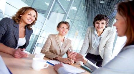 Σε 41% ανέρχεται το ποσοστό των γυναικών στη Ρωσία που κατέχουν ηγετικές θέσεις