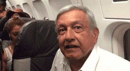 Ο πρόεδρος Ομπραδόρ «σνομπάρει» το προεδρικό τζετ και περιμένει για ώρες εμπορική πτήση