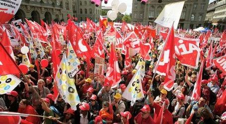 Ελβετία: 20.000 διαδηλωτές υπέρ της μισθολογικής ισότητας ανδρών