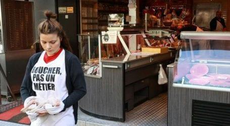 Κινητοποιήσεις διαμαρτυρίας από ακτιβιστές βίγκαν μπροστά από κρεοπωλεία