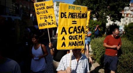 Στους δρόμους ακτιβιστές για τα ακριβά ενοίκια στη Λισαβόνα