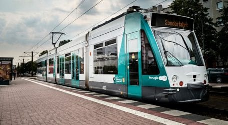 Δοκιμαστικά δρομολόγια για το πρώτο τραμ χωρίς οδηγό παγκοσμίως