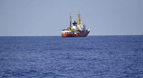 Η Λισαβόνα ανακοίνωσε πως συμφώνησε με τη Γαλλία και την Ισπανία να υποδεχθεί μετανάστες από το Aquarius