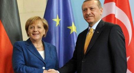 Στο Βερολίνο στραμμένα τα βλέμματα για τη συνάντηση Μέρκελ