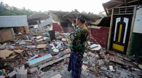 Τουλάχιστον 30 νεκροί από ισχυρό σεισμό και τσουνάμι