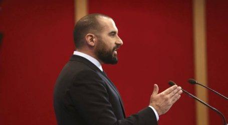 Ο Μητσοτάκης δε χάνει ευκαιρία να δυσφημεί την Ελλάδα στο εξωτερικό
