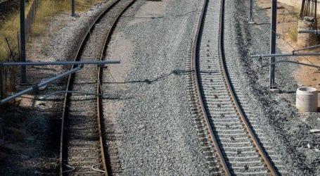 Σύγκρουση ΙΧ με τρένο στην Κωνσταντινουπόλεως, ένας τραυματίας