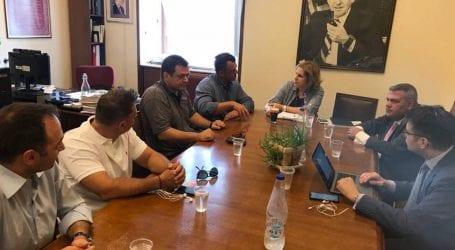 Σε συνάντηση με το Διοικητικό Συμβούλιο της Π.Ο.ΑΣ.Υ ο Άγγελος Αγραφιώτης
