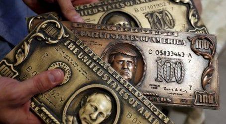 Λιγότερο δολάριο θέλει ο Πούτιν για το διεθνές εμπόριο της χώρας του
