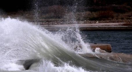 Έκτακτο δελτίο επιδείνωσης του καιρού για θυελλώδεις ανέμους και καταιγίδες