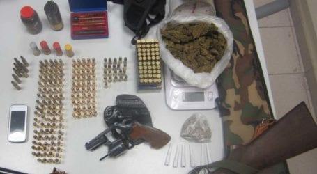Σύλληψη 55χρονου στην Αγιά για ναρκωτικά και όπλα