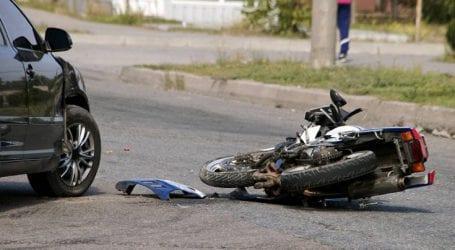 Έκανε όπισθεν και συγκρούστηκε με μηχανή, τραυματίστηκε σοβαρά ο δικυκλιστής