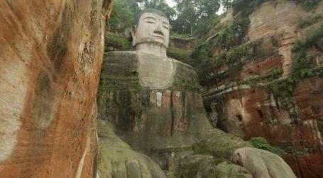 Έργα συντήρησης στο γιγάντιο άγαλμα 71 μέτρων ύψους, του Βούδα του Λεσάν