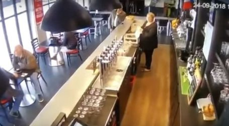Άλογο μπούκαρε σε μπαρ στη Γαλλία και τα έκανε όλα άνω-κάτω