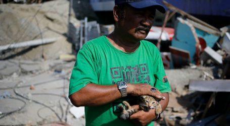 Μάχη με τον χρόνο δίνουν τα σωστικά συνεργεία για τον εντοπισμό επιζώντων