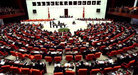 Το κοινοβούλιο ενέκρινε την παράταση για έναν χρόνο της ανάπτυξης στρατευμάτων στη Συρία και το Ιράκ
