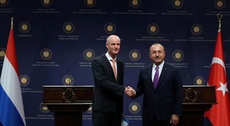 «Ε.Ε. και ΝΑΤΟ να μην κάνουν πίσω στη συνεργασία»